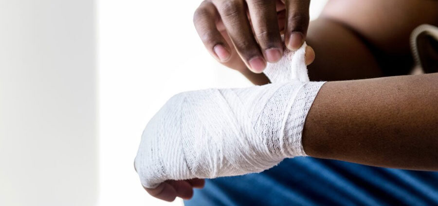 image of injured wrist for personal injury claims at Mullins Treacy Solicitors